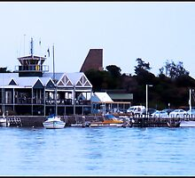 Mornington Pier by Maureen Clark
