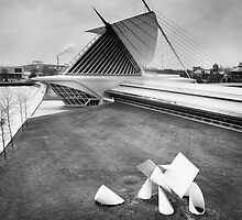 Milwaukee Art Museum by Claudia Kuhn