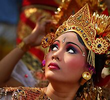 Balinese Dancer by RONI PHOTOGRAPHY