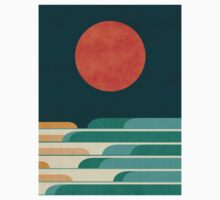 Red moon and chasing waves Kids Clothes