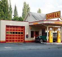 Hailstone Food and Gas store, Issaquah, Washington, USA by John Gaffen