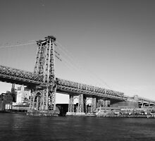 Manhattan Bridge by Sarah Howlett