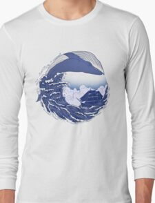The great whale  Long Sleeve T-Shirt