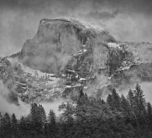 Yosemite Storm Arrives by Jaime Martorano