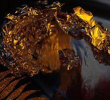 a golden crown by leonie7