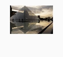 Paris - Louvre Pyramid Reflecting in the Fountain's Pool Unisex T-Shirt