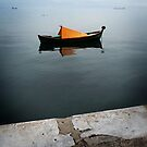 Lonely boat in the Thessaloníki bay by anarhitect