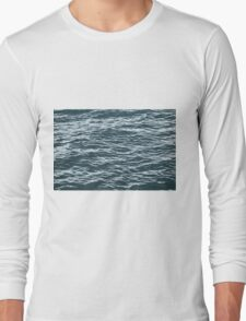 water background Long Sleeve T-Shirt