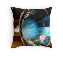 Megaphone Over head ^ Throw Pillow