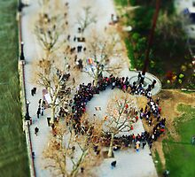 Miniature People Circle from London Eye by Moetran