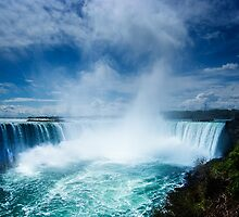 Horseshoe Falls by Yukondick