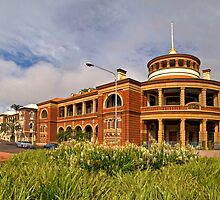 Historic Customs House - The Strand Townsville by Paul Gilbert