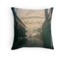 Musée de la vie romantique: In Throw Pillow