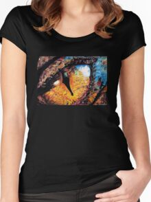 Smaug's Eye Women's Fitted Scoop T-Shirt