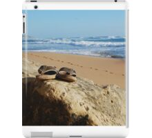 Desolate relaxing beach with flipflops iPad Case/Skin