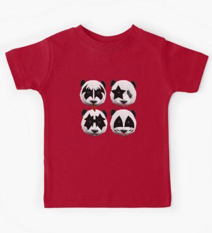 panda kiss  Kids Tee