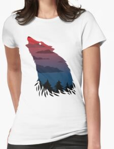 Scary howling wolf Womens Fitted T-Shirt