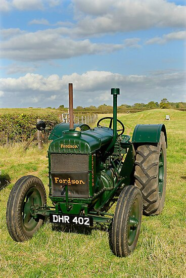 1942 Model N Fordson vintage tractor by buttonpresser