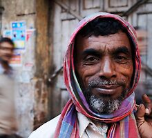 Fragments of Richness: An Indian Expose - friendly streets by fenjay