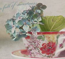 A cup full of sweetness by IngeHG