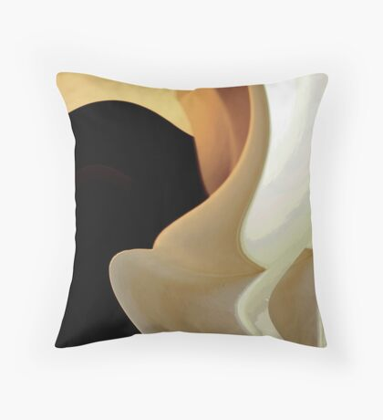 Dissolving reality Throw Pillow