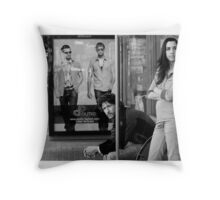 Bust stop romance Throw Pillow