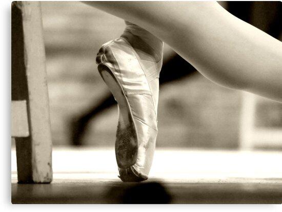 Ballerina foot by rafael magallanes