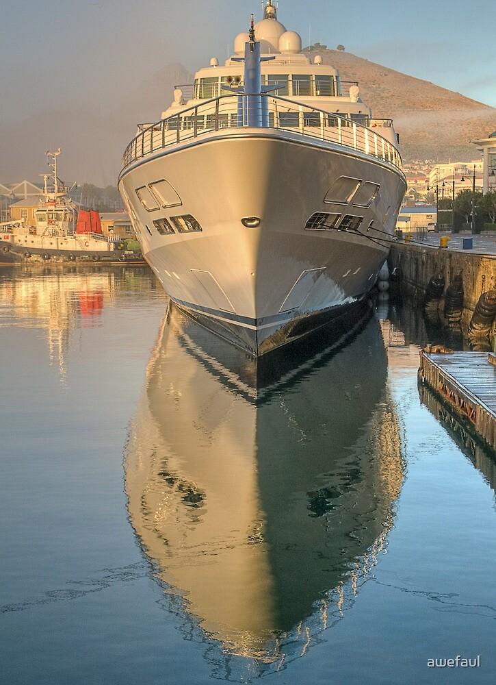 Ship shape reflection by awefaul
