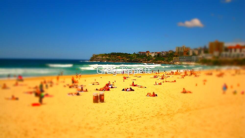 Bondi Beach by Greg Tippett