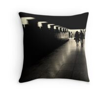 Parisien tunnel vision Throw Pillow