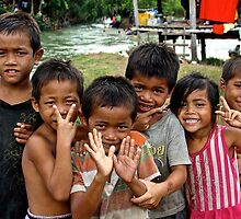 Adorables Kids - Thakhek, Laos. by Tiffany Lenoir