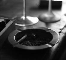 Black & White Ashtray by pepemczolz