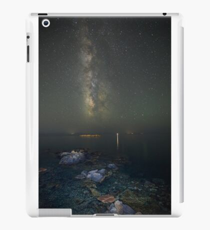 Milky way at a rocky sea coast in Syros island, Greece iPad Case/Skin