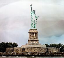 Statue of Liberty, NY by susan stone