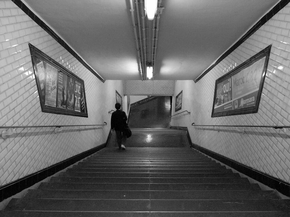 Metro de Paris - Subway at Paris by churros