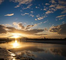 Mersey Sunrays by marc melander