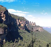 Three Sisters in the Blue Mountains by Sam  Parsons