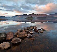 Dawn breaks over Derwent water by Shaun Whiteman