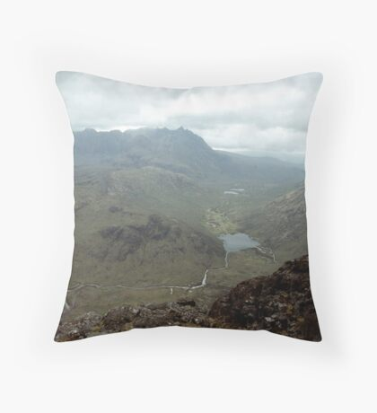 A single sunbeam in the cuillins, Throw Pillow