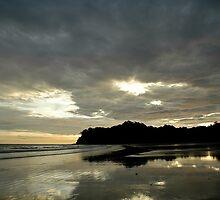 Last light, Samara Beach by Jesse Taylor