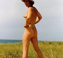 Beach bottom by figureman