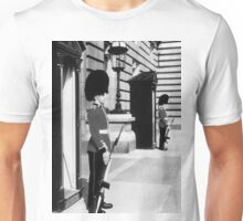 UK England London sentry at Buckingham palace 1970s Unisex T-Shirt