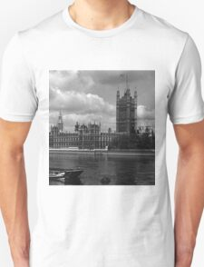 BW UK England London The houses of parliament 1970s T-Shirt