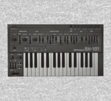 Roland SH-101 Analog Synthesizer by bachelorshall