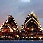 Sydney Opera House by aaronsmith