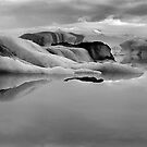 Glacier ice lagoon by leksele