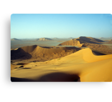 Empty desert.... Canvas Print
