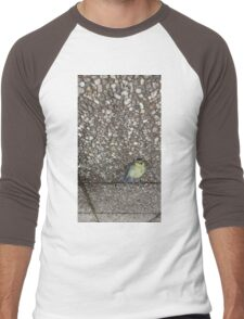A dead bird looking still alive. Men's Baseball ¾ T-Shirt