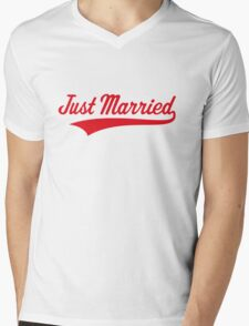 Just Married (Marriage / Wedding / Red) Mens V-Neck T-Shirt