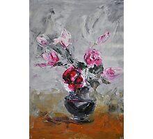 Roses in black vase Photographic Print